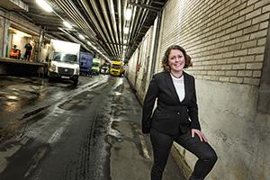 Maria Lindholm står 300x200