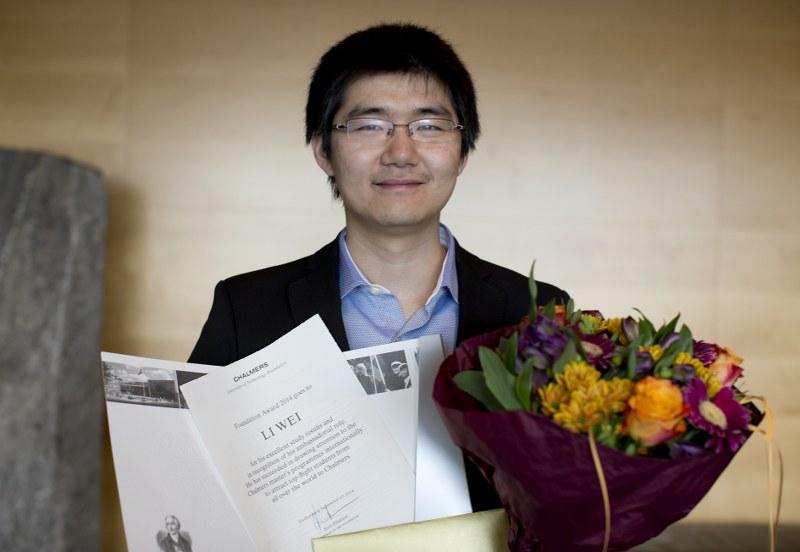 Stiftelsens pris tilldelas Li Wei.©Foto: Peter Widing