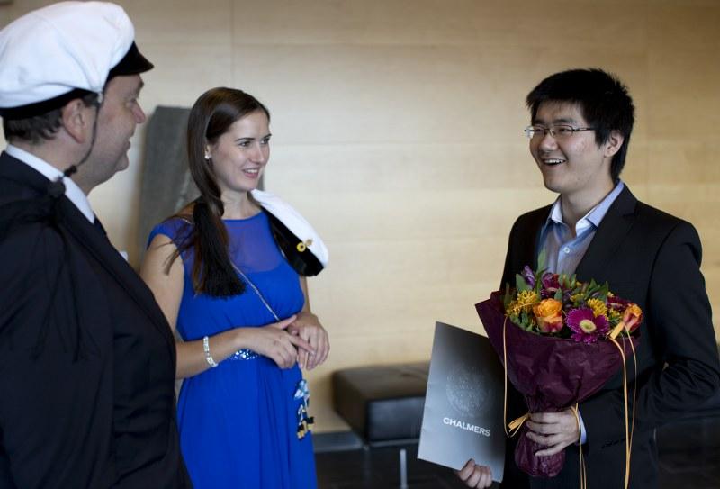 Stiftelsens pris tilldelas Li Wei, t h.©Foto: Peter Widing