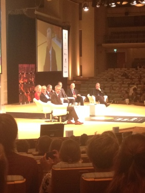 6 Nobel laureates sitting on the stage